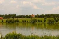 borostyán tó.jpg